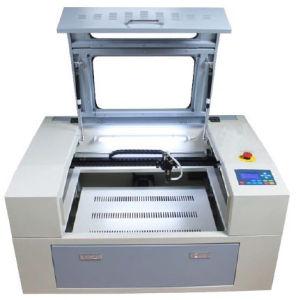 ليزر آلة لأنّ عمليّة قطع [إنغرفينغ] [نونمتلس] ينظر لأنّ عاملات موزّع