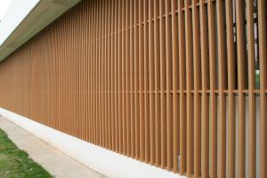 木製のプラスチック合成の木ずりのパネルのホテルの装飾