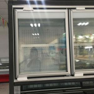 Verticale e combinazione orizzontale della vetrina del congelatore del supermercato