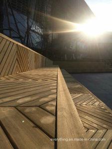 木製のプラスチック合成階段屋外の庭