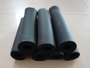 黒いPVC/NBRのゴム製プラスチック絶縁体の泡の管か管