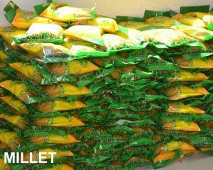 De organische en Groene Voeding die van de Gierst van het Selenium hoogst Gele Geschilde Gierst voeden