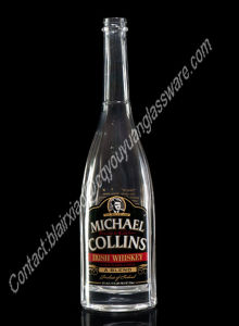 空750ml円形の黒いステッカーのウィスキーのガラスビン