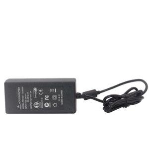 탁상 5개 AMP 전환하는 60 와트 3-Wire AC 입력에 의하여 통제된 AC 에 DC는 12 볼트를 전력 공급