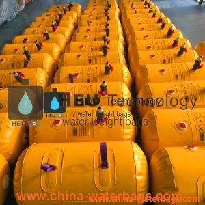 Prova de baleeiras testes de carga de peso com água