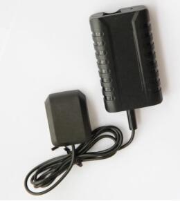 Wasserdichter Verfolger Stützacc-/-öl-Befund-bidirektionale Kommunikations-Auto-Verfolger eingebaute des GPS u. G-/Mantenne GPS-Feststeller-Xt007g