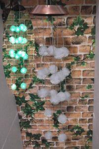 De kleur die het ZonneKlokkengelui van de Wind met de Bal van het Haar/het Klokkengelui/de Tuin van de Wind van de Tuin veranderen hangt het Zonne kleur-Veranderend Licht van de Decoratie/van de Tuin/de Ornamenten van de Tuin