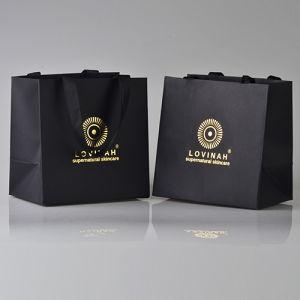 Печатные материалы черного цвета магазинов подарков мешок