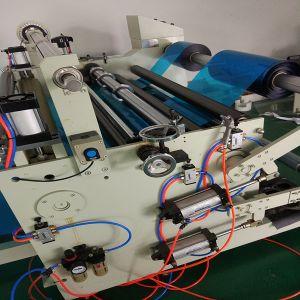 Macchina di taglio di carta di controllo del PLC del fornitore della Cina con il laminatore