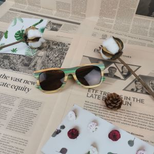 ceb2ad05eb Caja de madera de bambú grabado de madera de ébano polarizada gafas de sol