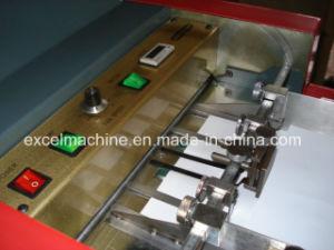 十字のフォールドが付いている小冊子のペーパー折る機械