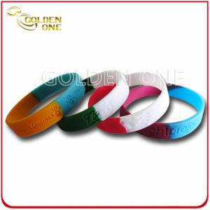 Il professionista più poco costoso ha suddiviso il braccialetto del silicone di marchio messo colore
