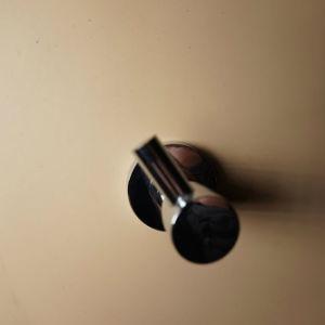 布ハンガーのための壁に取り付けられたクロム亜鉛合金ローブのホック