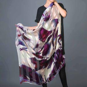 Nouveau mode de 100 % Soie satin imprimé numérique du bord de laminage à main terminé Mesdames foulards