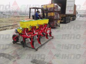4 filas de tracción del tractor Sembradora de maíz