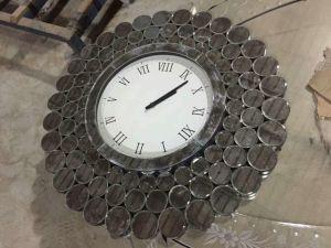 Spiegel Met Klok : De nieuwe klok van de muur met spiegel voor decor en de grote klok