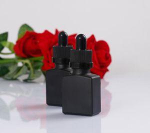 15ml 30mlの黒い精油のガラス点滴器のびん