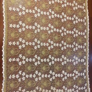 衣服のための卸し売り水溶性のミルクヤーンの金の糸のレースファブリック