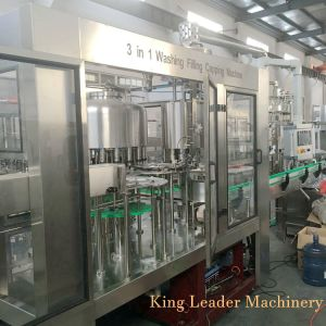 Automatische Vloeistof Gezuiverde het Vullen van de Was van het Mineraalwater van het Drinkwater het Afdekken Machine