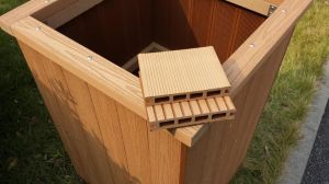 O composto de plástico de madeira piso em deck