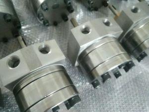 Машины из пеноматериала на заводе дозирующего насоса коробки передач