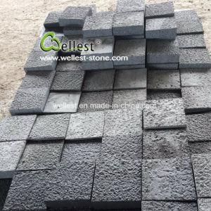 海南の私道の舗装のための黒い玄武岩のブッシュによって槌で打たれる玉石の石