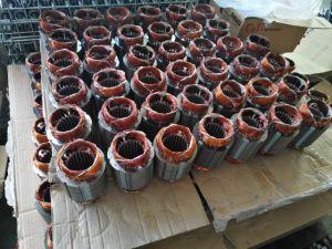 Salida de Cobre El cobre conectada con acero inoxidable pozo profundo bomba sumergible Bomba de Agua Potable