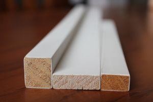 Apprêtés moulures en bois à plat de châssis de fenêtre et Fenêtre porte Jamb