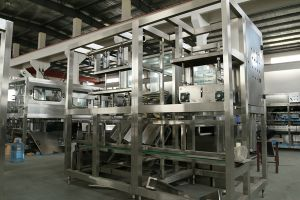 Série Qgf 450bph 5gallon Machine de remplissage de l'eau du fourreau