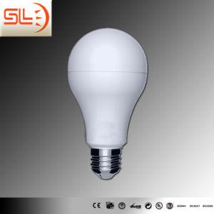 Uma lâmpada LED70 com marcação EMC