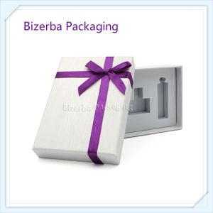 El cartón profesional Caja de regalo con el manguito