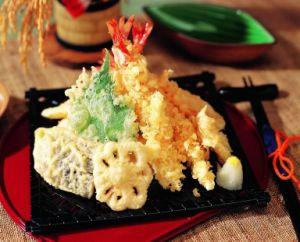 Japenese mezcla de harina de tempura de verduras o pescado frito y maltrecho