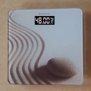 180kgs Salle de bains numériques LCD en verre clair de l'échelle de poids personnel Djk-E