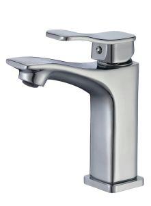 Nouveau modèle en 2018 bassin en laiton solide Faucet 84111b