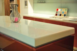 人工的な石造りのカウンタートップ固体表面によってカスタマイズされるデザイン高品質