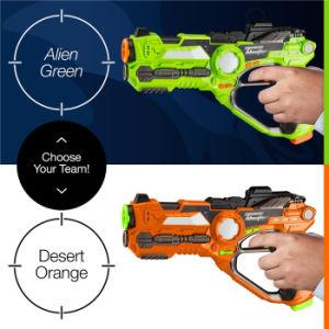 アマゾントップセラーBoはレーザー銃の札のゲームのおもちゃを戦う