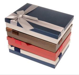 簡単で、標準的なクラフトの装飾的な香水のペーパーギフト用の箱、精油の包装のディスプレイ・ケース、リボンが付いているタバコのワイン・ボトルの記憶の荷箱