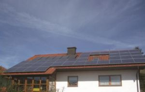 가족 사용을%s 태양 발전기 에 격자 시스템