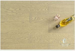 Ingeniería de suelos de madera de roble, color gris, con Laca UV