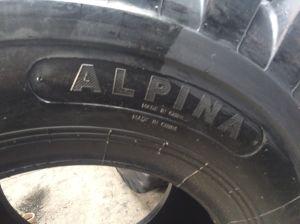 Schräge OTR Gummireifen mit weg von Straßen-Muster Alpina Marke