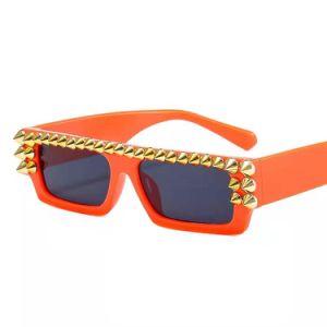 2021 Nuevo pequeño cuadrado con diamante a la moda al por mayor gafas de sol Gafas de sol 2021 a las mujeres Sades