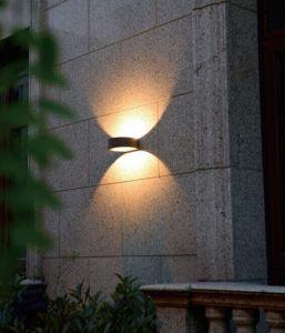 6Wは白いLEDの屋外の庭の壁ライトを暖める