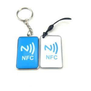 Marchio su ordinazione poco costoso Ntag213 RFID a resina epossidica Keychain NFC Keyfob con il codice di Qr