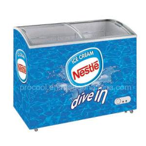 アイスクリームの昇進のためのガラス上のフリーザーの箱