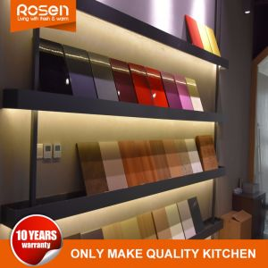 De Standaard Witte Stevige Houten Keukenkasten van uitstekende kwaliteit van de Deur
