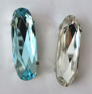 De Buitensporige Steen van het kristal met de Klauw van het Metaal voor de Toebehoren van de Kleding