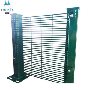 工場緑によって溶接される金網の塀のパネル