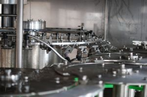 20000bph Temp. media. El lavado de llenado y tapado 5 en 1 máquina de bebidas de jugo
