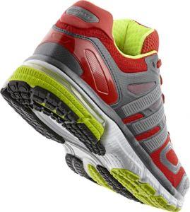 Спортивную обувь единственной изготовление машины