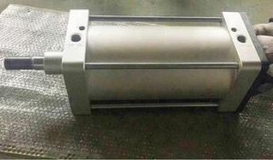 エレベーターのための空気シリンダー